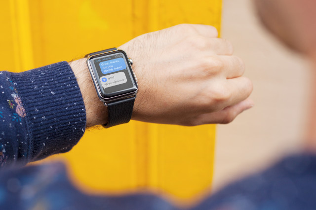 Apple Watch on Yellow Example of Usage